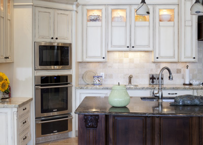 Kitchen cabinets kelowna cabinets kitchen cabinets kelowna for Kitchen cabinets kelowna