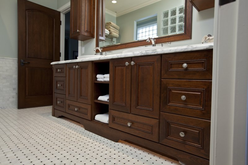 Vanities kelowna kitchens cabinetry for Kitchen cabinets kelowna